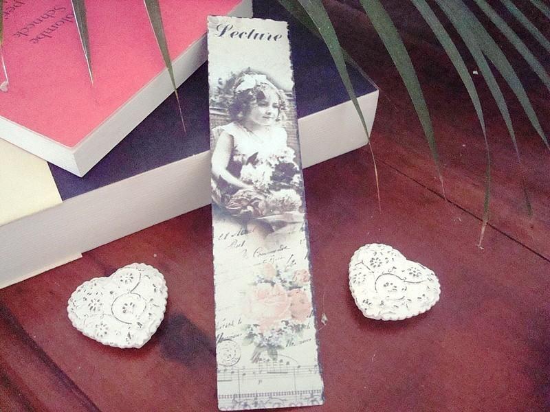 Marque-page fillette au bouquet rétro, déco charme