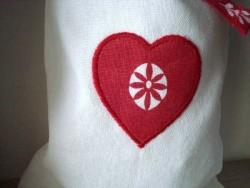 Duo de sacs à linge coeur rouge