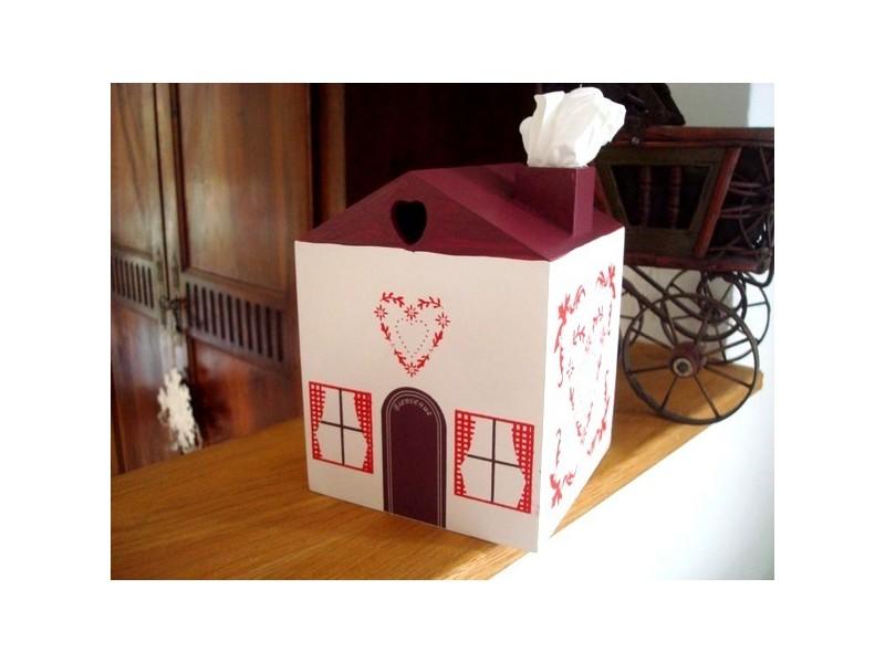 Boîte à mouchoirs maison au coeur