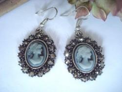 Boucles d'oreilles vintage camée gris et brillants gris