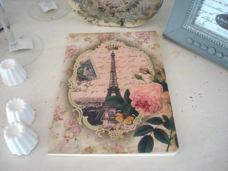 Grand carnet de notes rose et Tour Eiffel