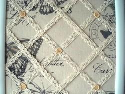 Pêle mêle papillons cadre carré blanc