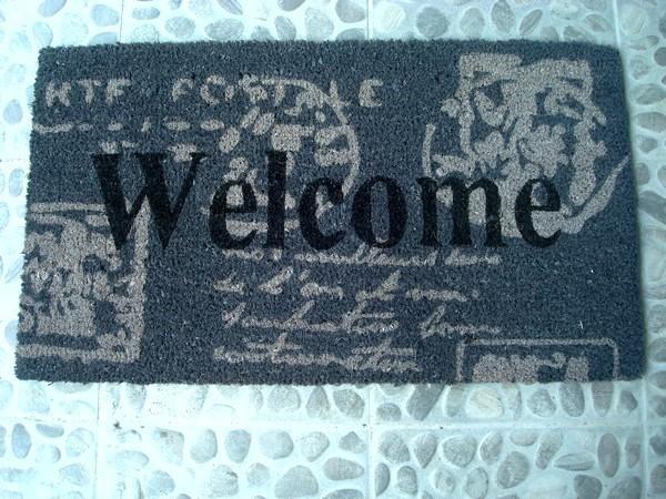 paillasson original gris beige et noir welcome tapis. Black Bedroom Furniture Sets. Home Design Ideas