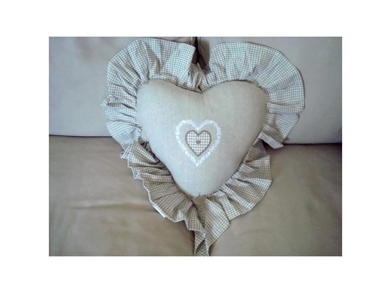Coussin coeur brodé coton beige