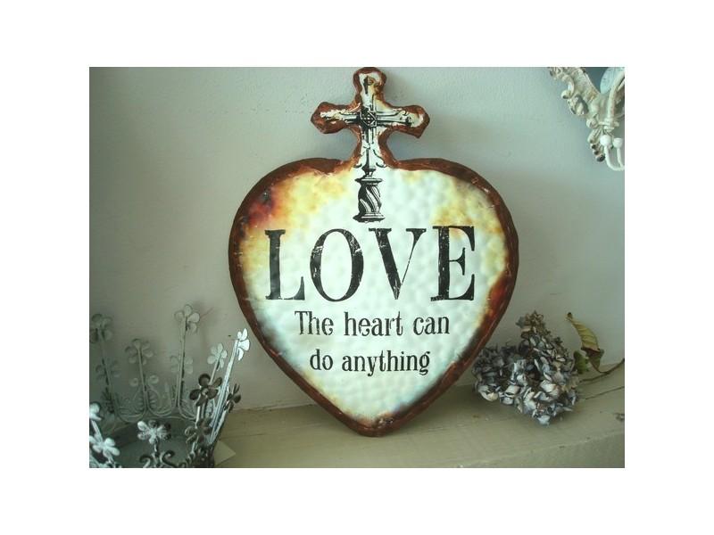 "Déco murale en forme de coeur ""Love"""
