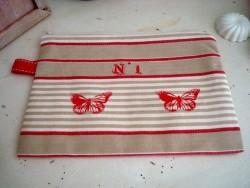 Pochette de sac papillons rouges, création Déco à Coeur