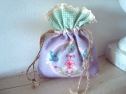 "Sachet senteur vintage en tissu violet ""Peace and Love"""