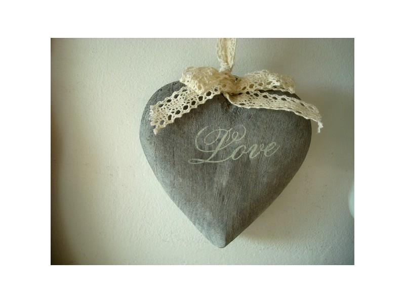 "Suspension coeur en bois gris ""Love"""