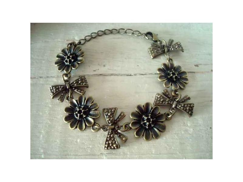 Bracelet vintage fleurs et noeuds
