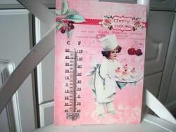 Thermomètre mural vintage à la fillette aux cupcakes