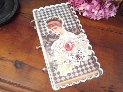 Carnet de notes rétro au décor femme, roses et papillon
