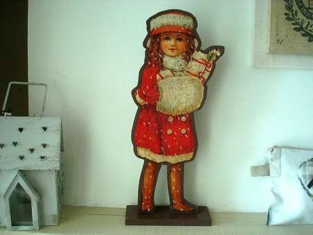 Décoration fillette au manteau rouge au style montagnard