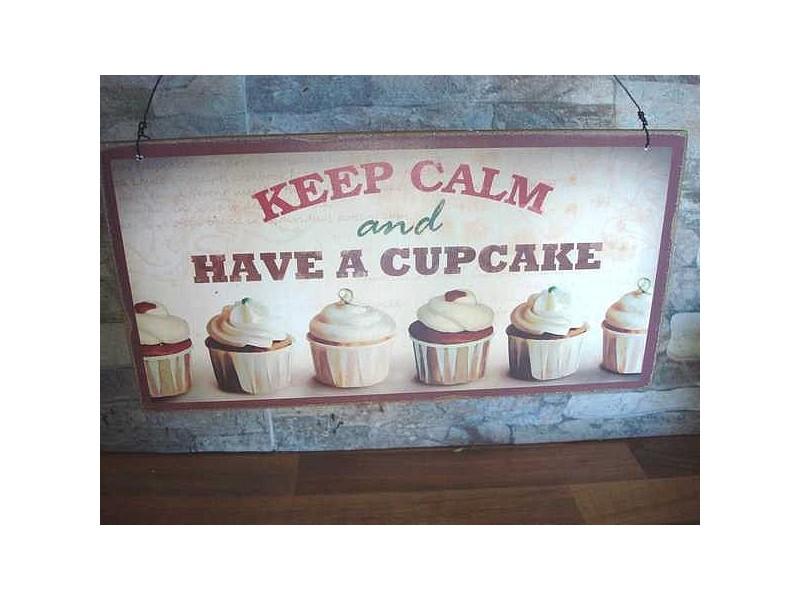 Plaque en bois vintage aux cupcakes, déco cuisine