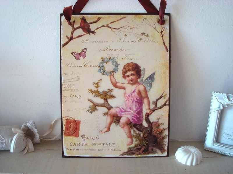 Plaque décorative aux anges et papillon, chic et charme gustavien