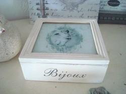 Petite boite à bijoux au décor d'ange style gustavien