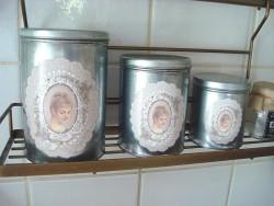 Set 3 boîtes de rangement en métal couleur zinc au médaillon dentelles style cosy