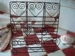 """Porte livre de cuisine aux """"Coeurs"""" en fil de fer vieilli"""