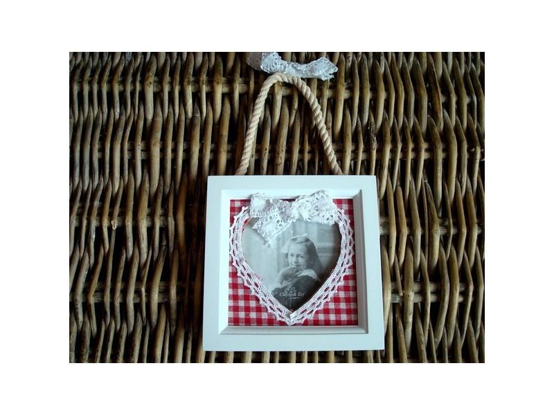 Cadre photo carré au coeur en dentelle style cosy