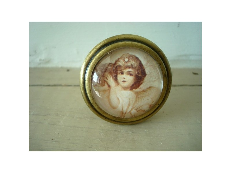 Bouton de porte de meuble décoré d'un ange ambiance cosy