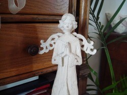 Statue ange mains jointes en bois, sur un air gustavien