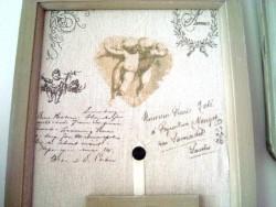 Cadre porte photos triptyque orné d'un ange, sur un air gustavien