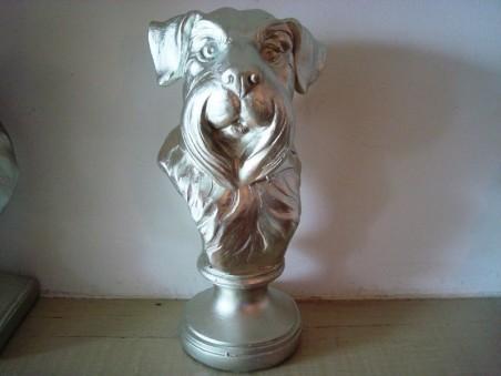 Tête de chien de race griffon couleur argenté rétro vintage