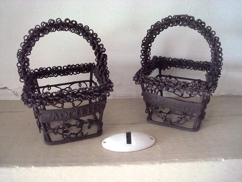 Duo de minis paniers carrés en fil de fer aspect vieilli style campagne