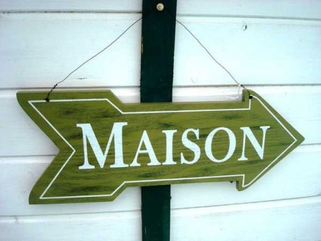 """Panneau en bois fléché """"Maison"""" style maison de campagne"""