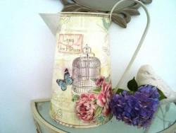 """Broc vintage """"L'eau des fleurs"""" et bouquets de roses"""