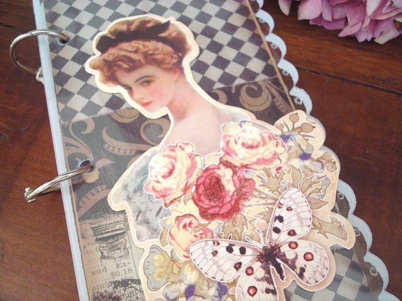 Carnet de notes rétro original au décor femme, roses et papillon