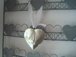 Suspension coeur numéro 4 en métal