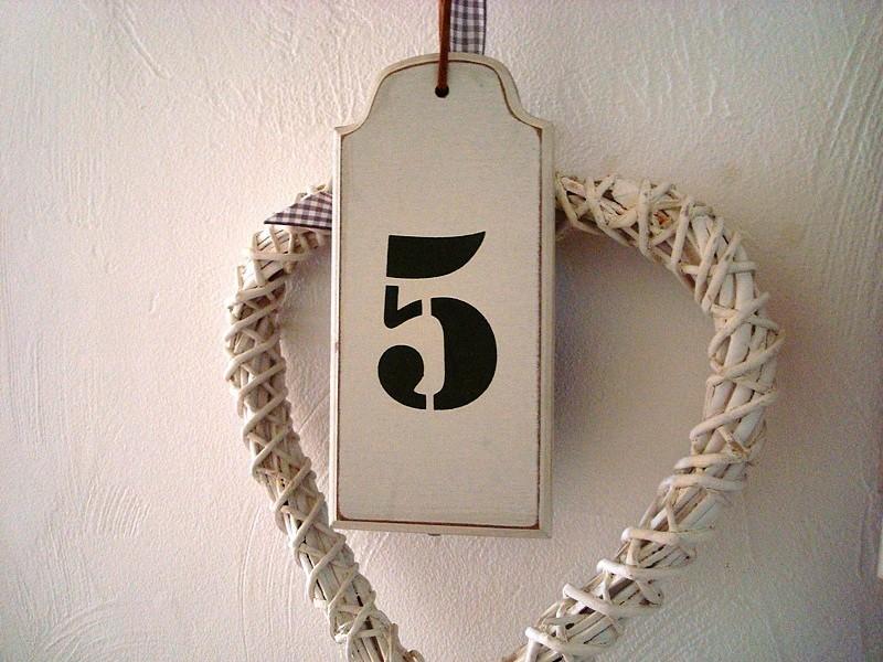"""Suspension rétro en bois beige """"Numéro 5"""""""