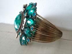 Bracelet baroque à la tortue aux perles couleur émeraude