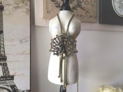 Collier sautoir médaillon en forme de paon multicolore, bijoux vintage