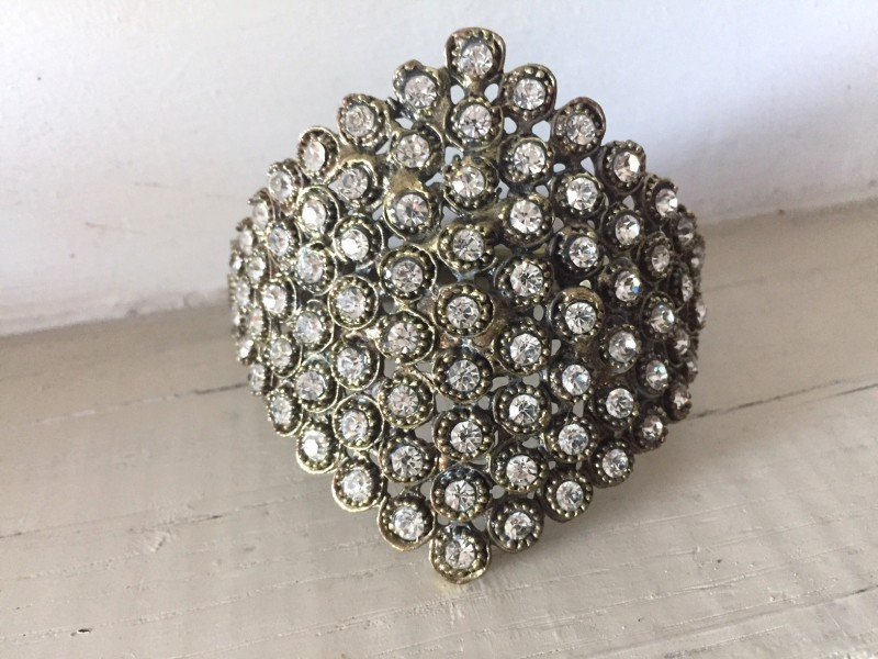 Bracelet baroque fantaisie aux strass