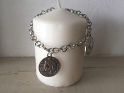 Bracelet pour femmes orné de pièces de monnaies