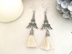 Boucles d'oreilles Tour Eiffel et pompon beige