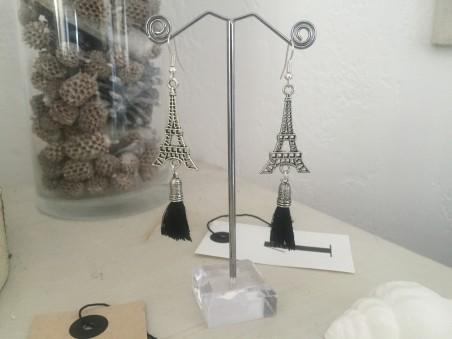 Boucles d'oreilles à breloque Tour Eiffel et pompon noir