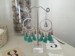 Boucles d'oreilles mini créoles aux pompons bleus turquoise