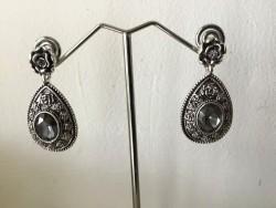 Boucles d'oreilles rétro métal perle et fleur