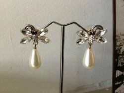 Boucles d'oreilles rétro strass, perle et papillon