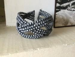 Bracelet fantaisies aux perles grises