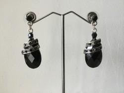 Boucles d'oreilles pendante perles ovales noires