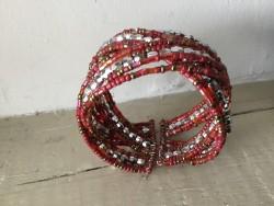 Bracelet bohème fantaisies aux perles rouges