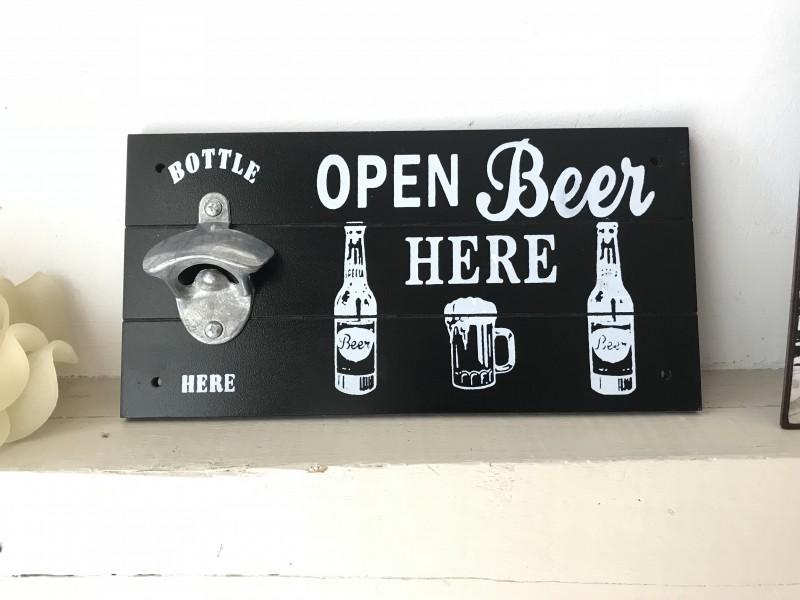 "Ouvre bouteille mural ""Open Beer"" en bois noir"