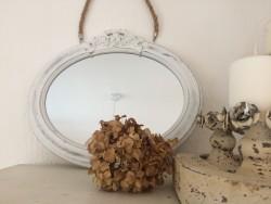 Petit miroir taupe à poser au fronton ouvragé style rétro