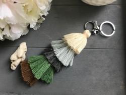 Bijou de sac et porte clés multi pompons multicolores