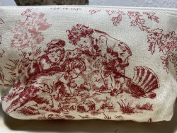 Trousse de toilette en toile de Jouy rouge