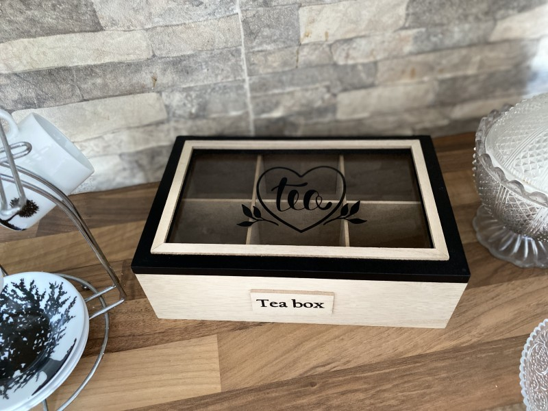 Boîte à thé dessus vitré bois baturel et noir