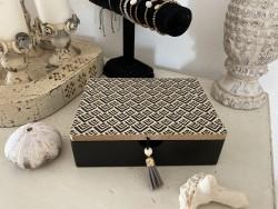 Boite à bijoux décor géométrique esprit vintage